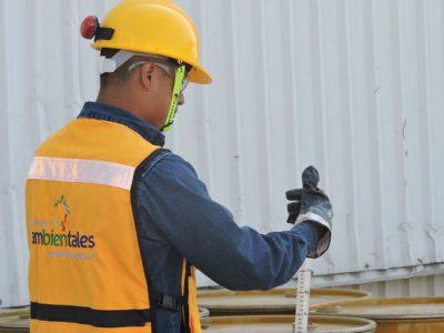 Personal capacitado para el correcto manejo de residuos y desechos peligrosos y no peligrosos
