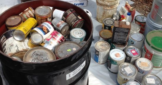 botes-pintura-vacios-residuos-peligrosos